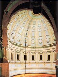 Макет барабана и купола собора Святого Петра в Риме. Микеланджело, Джакомо делла Порта, Луиджи Ванвителли, 1558-1561 гг., дерево, темпера, 5000х4000х2000 мм. Музей Ватикана.